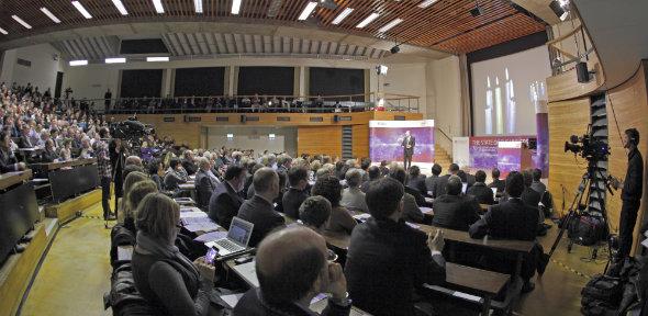 Lecture theatre 5_590x288